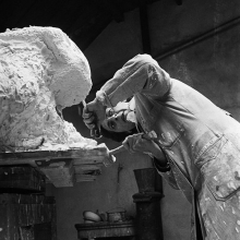 Pearl Perlmuter working on a sculpture.