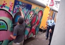 """Dutch tourist vs. da Police"" foto:'Quik' Lin Felton"